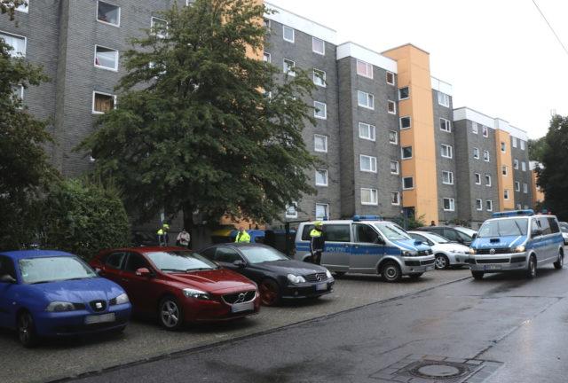 Die Nachbarn in der Hasseldelle stehen nach dem Tod von fünf Kindern unter Schock. Ganz Solingen trauert. (Foto: © Bastian Glumm)