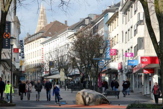Die Hauptstraße mit Fußgängerzone in der Solinger Innenstadt. (Archivfoto: © Bastian Glumm)