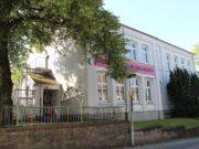 Das ehemalige Haus der Jugend an der Schulstraße in Gräfrath. (Archivfoto: © Bastian Glumm)