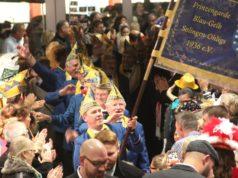 Am 18. Januar findet in der Ohligser Festhalle wieder die große Karnevalssitzung der Prinzengarde Blau-Gelb Ohligs statt. (Archivfoto: © Bastian Glumm)