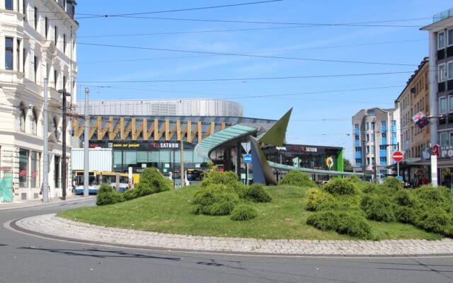 Die Kölner Straße wird ab Blumenstraße in Richtung Busbahnhof sowie ab Kreisverkehr Ufergarten Fahrtrichtung Busbahnhof an allen drei Tagen vor Beginn der Hauptband (ebenfalls um 17 Uhr) gesperrt werden. (Archivfoto: © Bastian Glumm)
