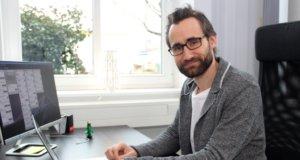 """Felix Heuer bietet mit seiner Firma """"Innodrei"""" Organisationen und Firmen Hilfestellungen, um erfolgreich in die Zukunft gehen zu können. (Foto: © Bastian Glumm)"""