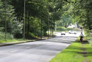 Gearbeitet wird auf dem Straßenabschnitt zwischen Talblick ab Klommenberg und Ittertalstraße bis kurz vor dem Kreisverkehr (Fußweg Haaner Berg). (Foto: © Bastian Glumm)