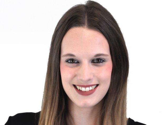 Julia Nippes hat ihre Ausbildung beim Solinger Unternehmen Pfeilring mit