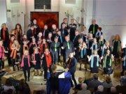 """Gospel, gefühlvolle Balladen, funkige Grooves, Ausflüge zu Pop, Musical und Klassik – der Ketzberger Gospelchor """"unisono"""" ist für seine Vielfalt bekannt. (Archivfoto: © Martina Hörle)"""