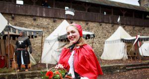 Am morgigen Sonntag findet auf Schloss Burg das beliebte Kinder-Märchenfest statt. (Foto: © Kristina Malis/Schlossbauverein Burg a/d Wupper e.V.)