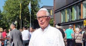 """Bernd Krebs ist Vorsitzender des Freundeskreis Solingen/Ness Ziona. Gemeinsam initiierte er mit der Stadt den """"Kippa-Tag"""" vor dem Rathaus. (Foto: © Bastian Glumm)"""