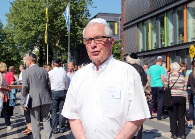 Bernd Krebs ist Vorsitzender des Freundeskreis Solingen/Ness Ziona. Gemeinsam initiierte er mit der Stadt den