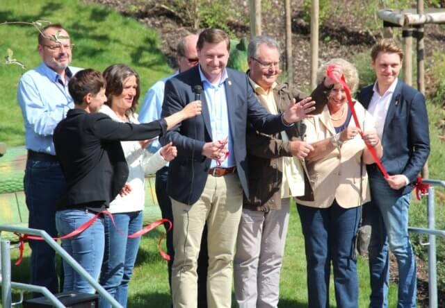 Nach der Kita-Eröffnung ist vor der Kita-Eröffnung. Oberbürgermeister Tim Kurzbach hat das rote Band durchschnitten und die Kita