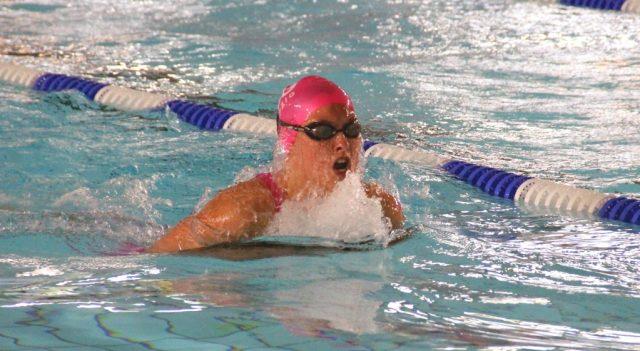 Am kommenden Sonntag findet im Klingenbad die Stadtmeisterschaft im Schwimmen statt. Der Halle wurde jetzt von einem Gutachter offiziell die Wettkampftauglichkeit attestiert. (Foto: © B. Glumm)