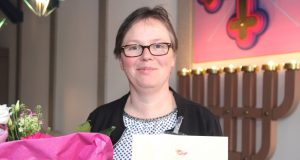 Seelsorgerin Renate Tomalik in der Kapelle des Klinikums. Die evangelische Pfarrerin wurde jetzt vom SAPV-Team-Förderverein zum Ehrenmitglied ernannt. (Foto: © B. Glumm)