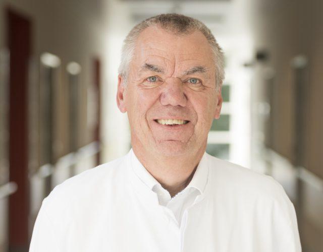 Professor Dr. Peter J. Heering, Chefarzt der Klinik für Nephrologie und Allgemeine Innere Medizin am Städtischen Klinikum Solingen, wird in der aktuellen Focus-Ärzteliste als einer von 80 Deutschlands führenden Bluthochdruckspezialisten empfohlen. (Foto: © S. Kayaalp/Klinikum Solingen)
