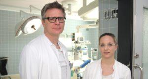 """Das Klinikum Solingen ist seit Anfang des Jahres Teil des """"Fertiprotect-Netzwerkes"""". Ansprechpartner sind Dr. Sebastian Hentsch, Chefarzt der Klinik für Frauenheilkunde und Geburtshilfe am Klinikum Solingen und Oberärztin Dr. Tanja Wanik. (Foto: © B. Glumm)"""
