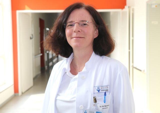 Dr. Melanie Benthin ist Oberärztin an der Klinik für Frauenheilkunde im Klinikum Solingen. (Foto: © Bastian Glumm)