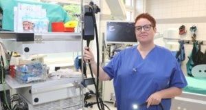 Stefanie Heußen-Sürig (46) arbeitet seit 1996 im Klinikum Solingen, seit 2013 hat sie die pflegerische Leitung der Endsokopie inne. (Foto: © Bastian Glumm)