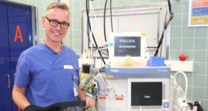 Laurenz Heidermann arbeitet seit 2011 im Klinikum Solingen. Der 52-Jährige ist stellvertretender Pflegeleiter in der Zentralen Notfallambulanz (ZNA). (Foto: © Bastian Glumm)
