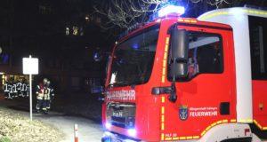 Die Feuerwehr rückte am Mittwochabend zur Herberger Straße aus. Dort brannte ein Sicherungskasten in einem Appartement. (Foto: © Das SolingenMagazin)