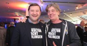 Oberbürgermeister Tim Kurzbach (li.) und Timm Kronenberg vom City-Art-Project eröffneten am Samstagabend die 7. Kulturnacht. (Foto: © Bastian Glumm)