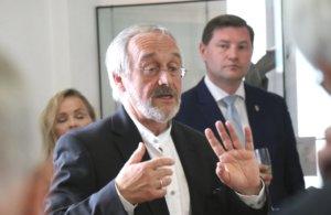 Dr. Rolf Jessewitsch, Gründungsdirektor des Zentrums, geht in den Ruhestand. Allerdings nicht ganz, denn er übernimmt einen Lehrauftrag im Institut für Kunstgeschichte an der Universität Düsseldorf. (Foto: © Bastian Glumm)