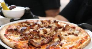 Während der Corona-Krise haben viele Solinger Gastronomen erstmals einen Liefer-Service angeboten, wenn auch nur temporär. Da könnte man mehr machen, meinen die Werbeprofis der Solinger Agentur AWEOS. (Foto: © Bastian Glumm)