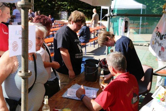 Die Löscheinheit 2 der Freiwilligen Feuerwehr ludt am Wochenende zum 57. Aufderhöher Feuerwehrfest nach Rupelrath ein. (Foto: © Oelbermann-Fotografie)