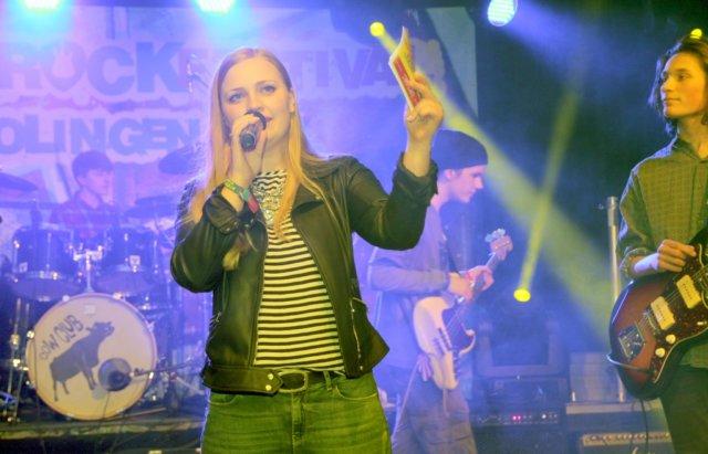 """Bei der """"BST Nacht der Songpoeten"""" am 6. Oktober präsentiert die Solinger Sängerin Luisa Skrabic ihre eigenen deutschsprachigen Songs und ihr Debütalbum """"Insel aus Glück"""". (Archivfoto: © Bastian Glumm)"""
