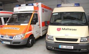 Der Solinger Malteser Hilfsdienst unterhält an der Löhdorfer Straße 96a einen Standort. Dort befindet sich auch der Fuhrpark der Hilfsorganisation. (Foto: © Bastian Glumm)