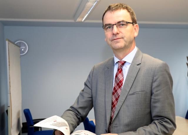 Martin Klebe ist Chef der Agentur für Arbeit Solingen-Wuppertal. (Foto: © Bastian Glumm)