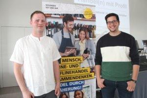 Simon Bluhm (li.) und Christos Papadopoulos von der Solinger Werbeagentur AWEOS sind froh, dass die Stadt das Thema Digitalisierung anpackt. (Foto: © Bastian Glumm)