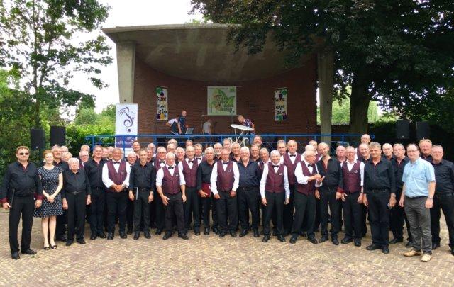 Im niederländischen Beegden fand am Wochenende ein Open-Air-Chorfestival statt. Der Merscheider Männerchor war dazu eingeladen. (Foto: © Merscheider)