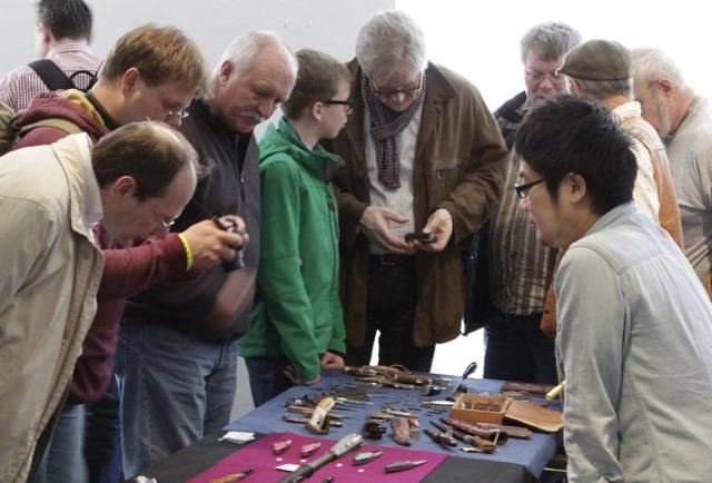 Die Messer Macher Messe ist ein El Dorado für Fans von handgefertigten Messern höchster Qualität. Am Wochenende findet sie zum 18. Mal statt. (Foto: © Lutz Hoffmeister, Deutsches Klingenmuseum)