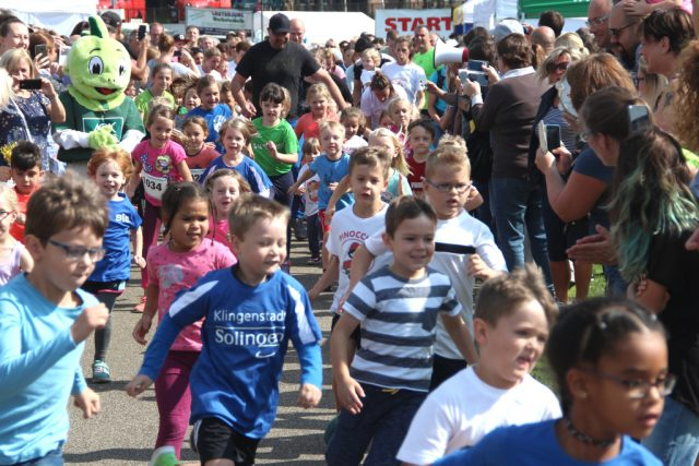 Mit ganz viel Begeisterung gingen am Sonntagmittag beim 11. Miss Zöpfchen-Lauf die kleineren Kinder beim Bambini-Lauf an den Start. (Foto: © B. Glumm)