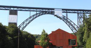 Im Oktober feiert die Müngstener Brücke ihren 120. Geburtstag. Dann findet dort anlässlich der Welterbe-Bewerbung ein europäischer Fachkongress - und das Brückenfest - statt. (Foto: © Bastian Glumm)