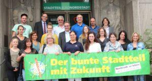 Veranstalter, Organisatoren und die vielen Kooperationspartner des 11. Nordstadtfestes freuen sich auf die Stadtteilparty, die am 8. Juli auf dem Rathausplatz und drumherum steigen wird. (Foto: © B. Glumm)