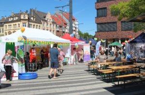 Von 11 bis 18 Uhr zeigten am Samstag Anwohner, Vereine, Institutionen und Gewerbetreibende der Nordstadt ihr kunterbuntes Profil. (Foto: © Bastian Glumm)