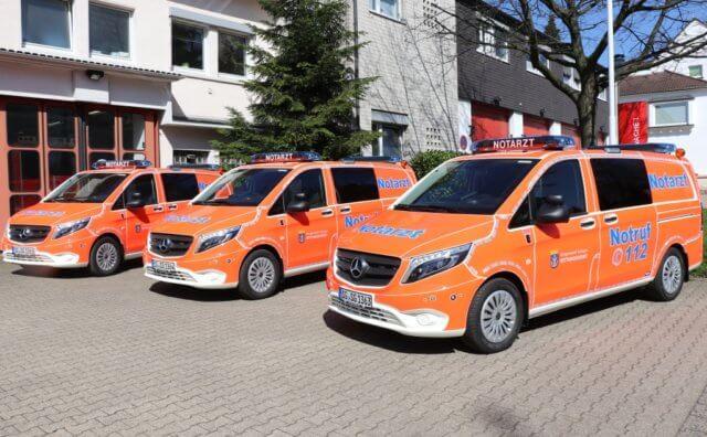 Die Berufsfeuerwehr Solingen präsentierte jetzt drei neue Notarzteinsatzfahrzeuge, die in Kürze in Dienst genommen werden. (Foto: © Bastian Glumm)