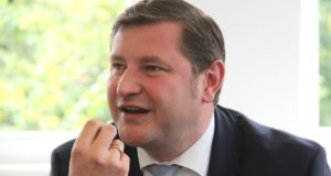 In einem Brief wendet sich Oberbürgermeister Tim Kurzbach an die Kaufhof-Führung und kritisiert darin Art und Umstände der geplanten Filialschließung in Solingen. (Archivfoto: © Bastian Glumm)