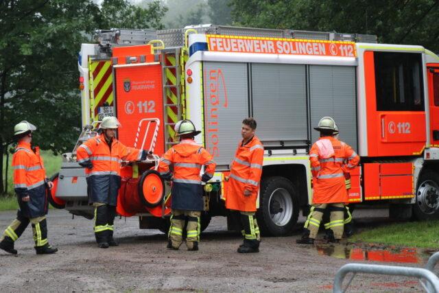 Sollte es am Wochenende zu Starkregen kommen, sei man darauf in Solingen vorbereitet. Die Feuerwehr befindet sich in Rufbereitschaft. (Foto: © Bastian Glumm)