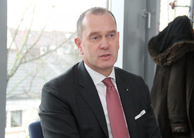 Stefan Grunwald ist Vorstandsvorsitzender der Stadt-Sparkasse Solingen. (Foto: © Bastian Glumm)