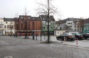 Auch die Stadt-Sparkasse wird in Solingen investieren und hat das ehemalige Globus-Gebäude gekauft. Dort soll die neue Geschäftstelle für den Stadtteil einziehen. (Foto: © Bastian Glumm)