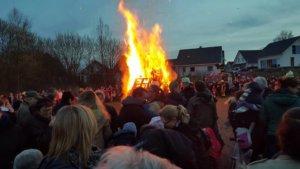 Das traditionelle Osterfeuer findet am 31. März auf de Platz am Kyllmannweg statt. (Foto: © Merscheider Männergesangsverein)