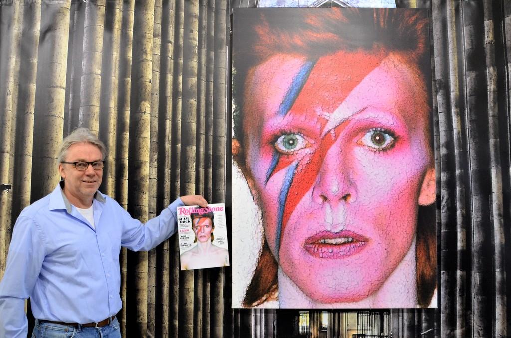 Zu dem LP-Cover von David Bowie weiß Frank Voß eine interessante Anekdote zu erzählen. Das Porträt ist am Computer im Partikelsystem erstellt. (Foto: © Martina Hörle)