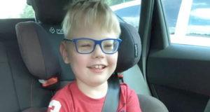 Der achtjährige Oskar hatte einen zu frühen und sehr holprigen Start ins Leben. Der Post SV sammelt Spenden, damit die Familie einen Assistenzhund finanzieren kann. (Foto: © Post SV Solingen)