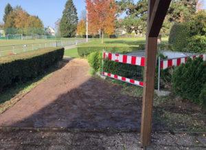 Fleißige Hände und die richtigen Maschinen haben den neuen Zugangsweg zum Jugend- Vereinsheim des Post SV ermöglicht. (Foto: © Post SV Solingen)