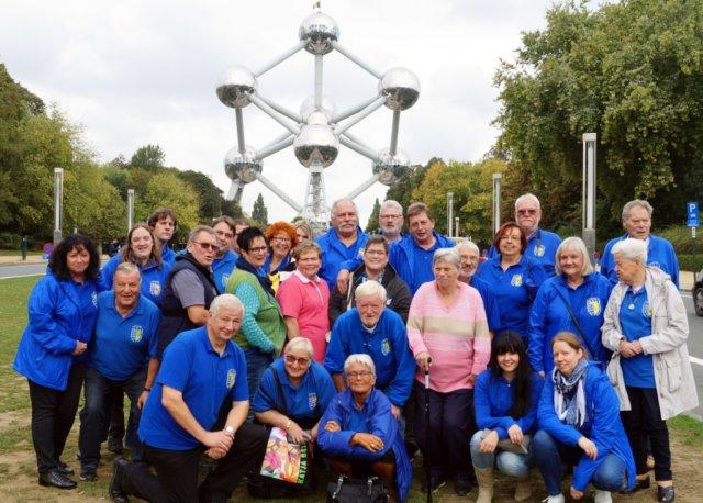 Im Rahmen ihrer diesjährigen Vereinstour war die Prinzengarde Ohligs in Holland und Belgien unterwegs und besuchte unter anderem das Atomium in Brüssel. (Foto: © Prinzengarde Blau-Gelb Ohligs)