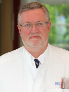 Professor Dr. Hans Martin Hoffmeister ist Chefarzt der Klinik für Kardiologie und Allgemeine Innere Medizin am Städtischen Klinikum. (Foto: © Klinikum Solingen)