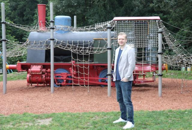 Kinder und Jugendliche sind die Zukunft Solingens. Deshalb müsse sich die Klingenstadt in diesem wichtigen Bereich viel mehr engagieren, meint OB-Kandidat Raoul Brattig von der Solinger FDP: (Foto: © Bastian Glumm)