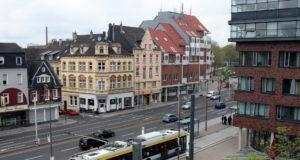 Die Konrad-Adenauer-Straße und der Walter-Scheel-Platz in der Solinger Innenstadt. (Foto: © Bastian Glumm)