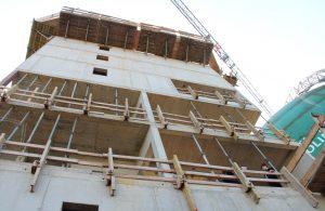 Auf dem Dach des Turms wird die neue Sternwarte beheimatet sein. Dafür werden mindestens fünf moderne Teleskope vom alten Standort an der Sternstraße zum neuen in Ohligs umziehen. (Foto: © B. Glumm)