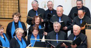 """Der Chor der Jüdischen Kultusgemeinde """"Masel Tov"""" sowie der Kinderchor """"Glöckchen"""" sorgten mit jüdischen Volkswaisen für den musikalischen Rahmen des Neujahrsempfangs. (Foto: © B. Glumm)"""